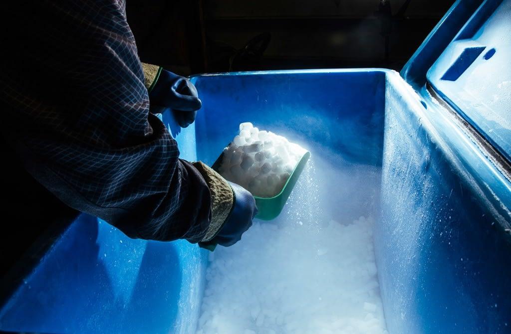 Διανομή ξηρού πάγου καθημερινά από την Dry Ice Creation